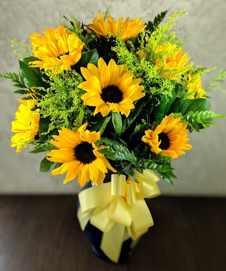 Sunny Sunflower Bouquet Whittier Ca Ron Alicia Robinson Florist
