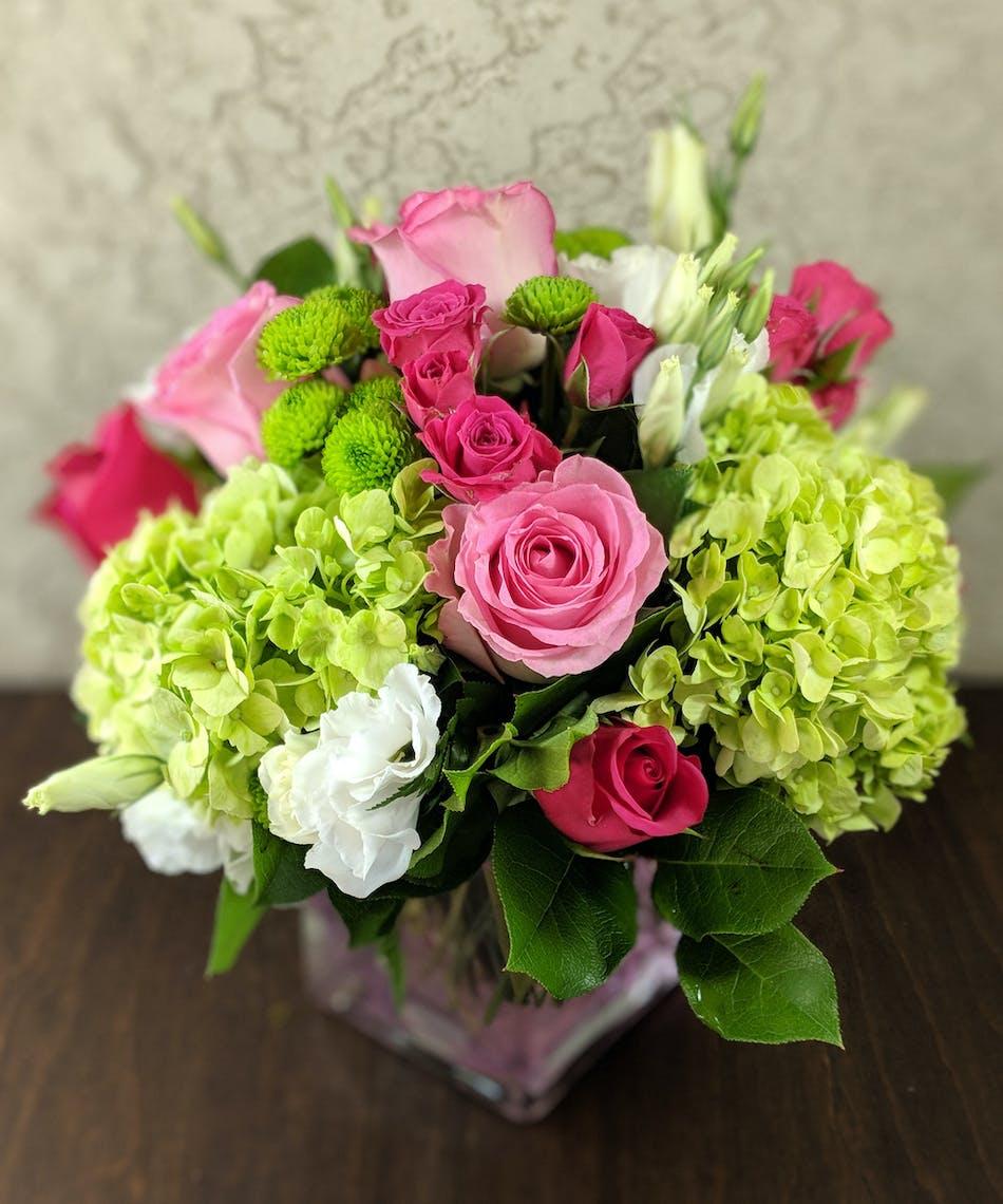 Kiwi Strawberry Bouquet With Roses Hydrangea Lisianthus
