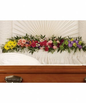 An exquisite garland with vibrant colored flowers