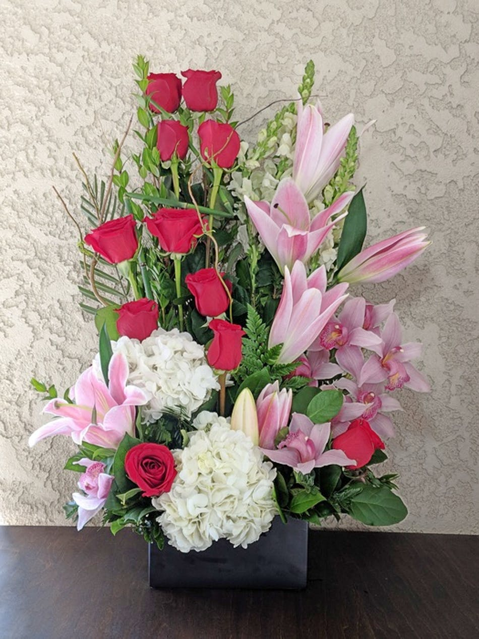 Makes Me Blush With Roses Lilies Hydrangea And Cymbidium In