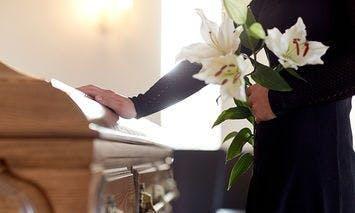 Oakdale Mortuary Flower Delivery | Ron & Alicia Robinson Florist